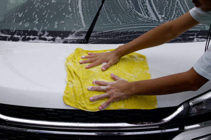 タオルを広げて洗う